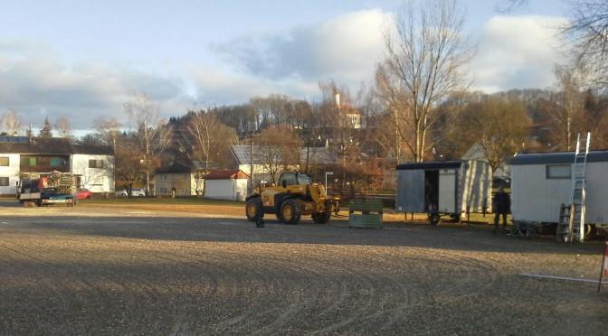 Zeltaufbau hat begonnen