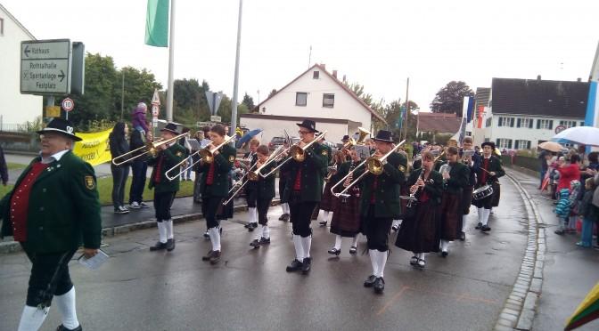 Umzug in Horgau 140 Jahre FFW