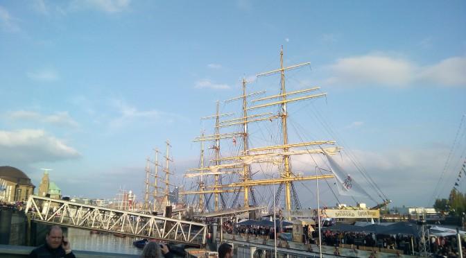 Hamburger Hafengeburtstag umrahmt von Blasmusik